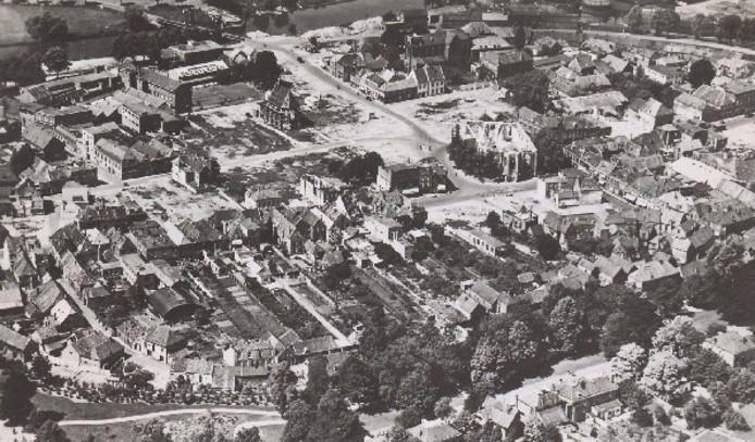 De binnenstad van Doetinchem na de drie bombardementen van maart 1945.