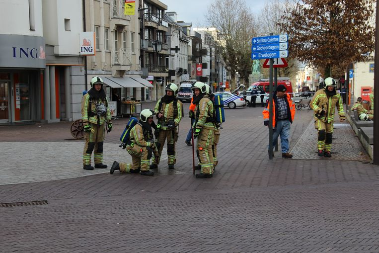 De brandweer kreeg een melding van geurhinder en was de hele namiddag zoet met het achterhalen van de oorzaak.