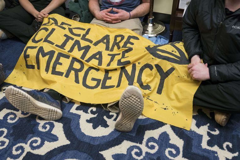 De hongerstakende demonstrant van de actiegroep Extinction Rebellion. Beeld AFP