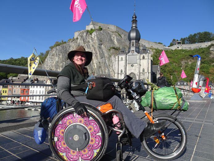 'Rolstoelpelgrim' Laura Feenstra is op bedevaartstocht naar Santiago de Compostela.