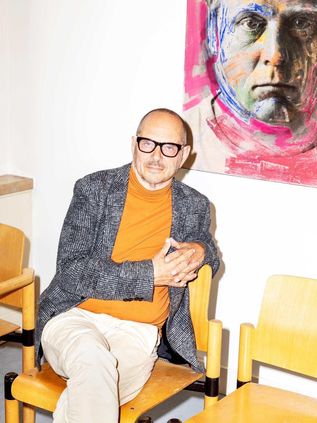 Max von Kreyfelt, oprichter van Café Weltschmerz in Den Haag. Beeld Marie Wanders