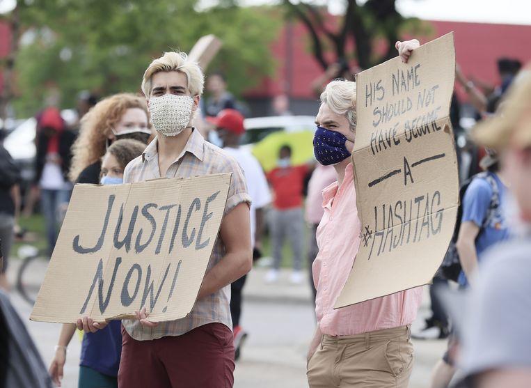 Demonstranten in Minneapolis na de dood van George Floyd. Beeld EPA