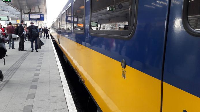 Er rijden in de zomer extra treinen tussen Deventer en Amsterdam. Dat betekent wel dat de internationale trein  vanuit Berlijn minder vaak per dag in Apeldoorn stopt.