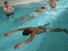 Vijftien jongeren willen gratis zwemles in Zwolle