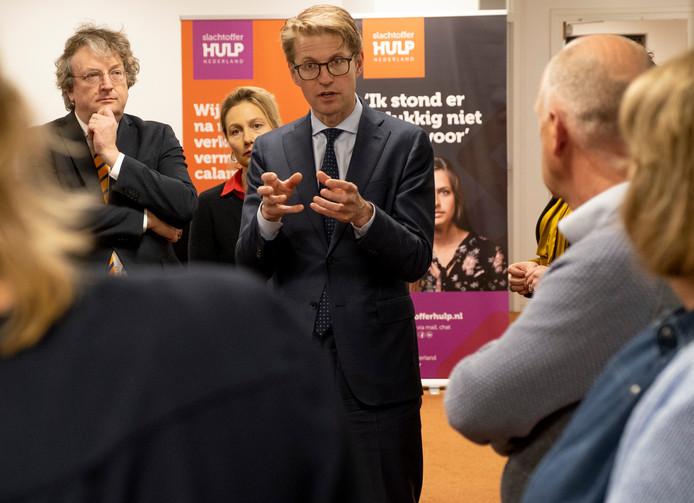 Minister Sander Dekker op bezoek bij Slachtofferhulp Zeeland.