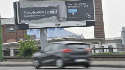 Flitsende reclame op weg mag niet meer