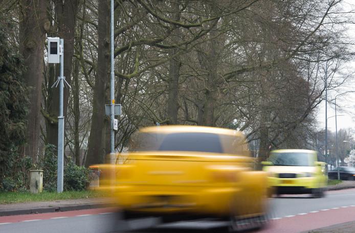 De flitspaal aan de N310 in Harskamp op de Veluwe bij Ede.