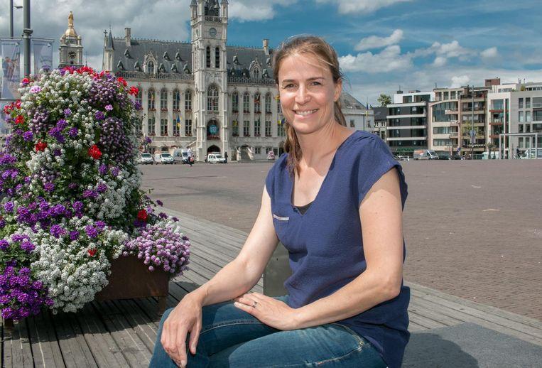 Catherine Vanhullebusch is met Job Design in Sint-Niklaas geland, waar ze mensen helpt om hun ideale job te vinden.