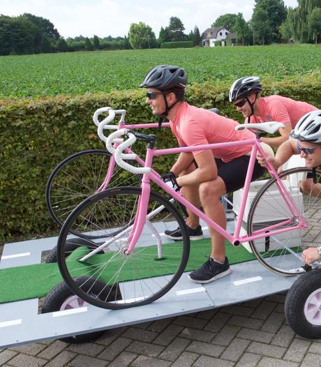 Leroy uit Oosterhout in het roze de Cauberg af