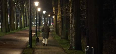 Pelotons Koninklijke Marechaussee leveren bijstand aan politie vanwege avondklok