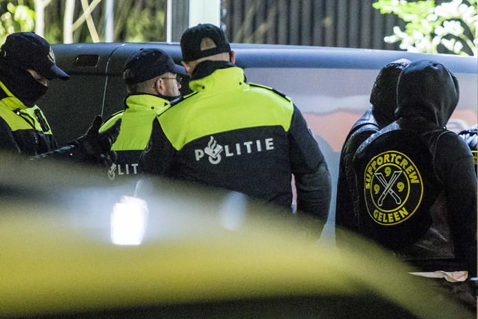 De politie heeft in Limburg een reeks invallen gedaan in een onderzoek naar motorbende Satudarah. Het onderzoek draait om misdrijven als afpersing, bedreiging en witwaspraktijken door leden van de motorclub.