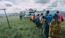 Kindsoldaten arriveren op het vliegveld (links, midden) en worden eerst opgevangen voordat ze naar familie teruggaan. VN-soldaten (onder) aan het werk in Noord Kivu.