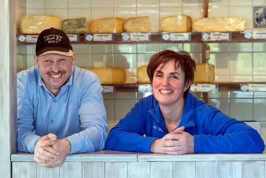 Erik bestiert samen met zijn vrouw Lisette een veeteeltbedrijf en kaasmakerij in Made.