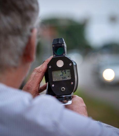 Automobilist scheurt in Wijchen met 145 km/u over weg waar hij 70 mag en raakt rijbewijs kwijt