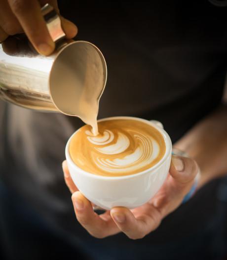 In de Vergulde Lampet en Visser's Poffertjes in Koffie Top 100