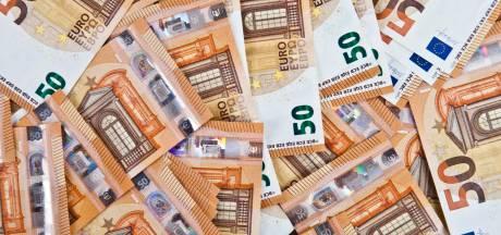 Politie vindt 15.000 euro in luiertas