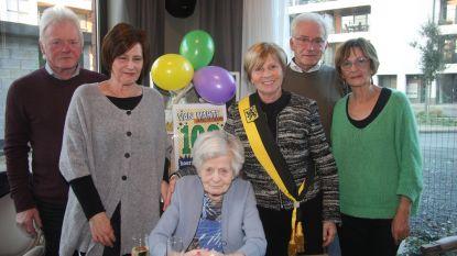 Aalst is twee 100-jarigen rijker: Delphina en Maria blazen 100 kaarsjes uit