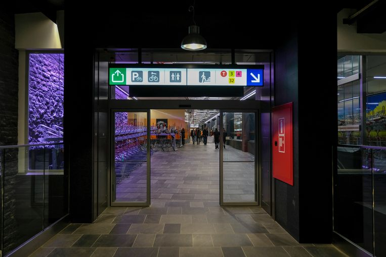 inhuldiging van metrostation Beurs.