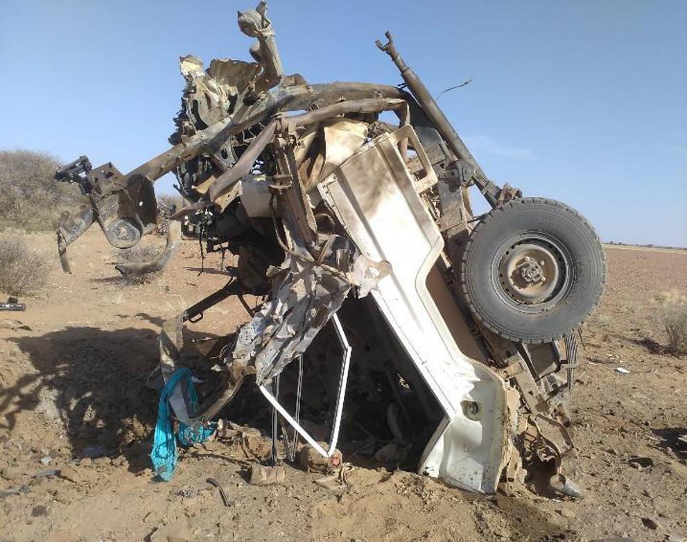Wat een doe-het-zelf-bom kan doen met een VN-voertuig.