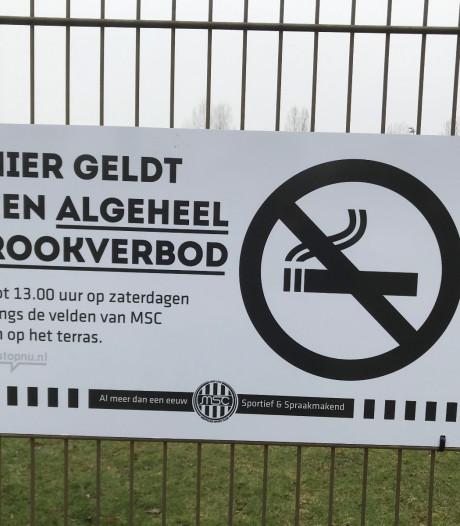 Voetbalclubs Meppel stellen rookverbod in op gezamenlijk sportpark om gekke situaties te voorkomen