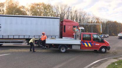 Vrachtwagen verliest lading zand op Boudewijnlaan: ochtendspits deelt in de klappen