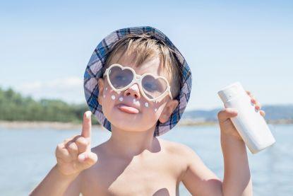 Belg smeert dan wel goed op vakantie, in eigen land beschermen we ons te weinig tegen de zon
