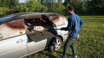 Kunstenaar bouwt auto om tot pizzaoven
