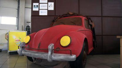 Bakker maakt Volkswagen Kever van 155 kilogram chocolade