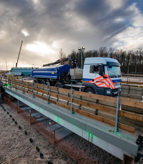 Het eerste herbruikbare viaduct van Nederland ligt tussen Kampen en Dronten