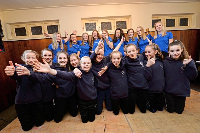 De winnaars van de Sportverkiezing van vorig jaar: Teams Rivo mini's en Rivo meisjes B1.