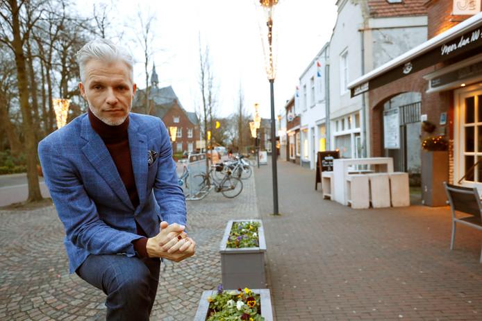 Arno Kantelberg in zijn geboorteplaats Gemert, waarvan hij graag een keer prins wil worden.