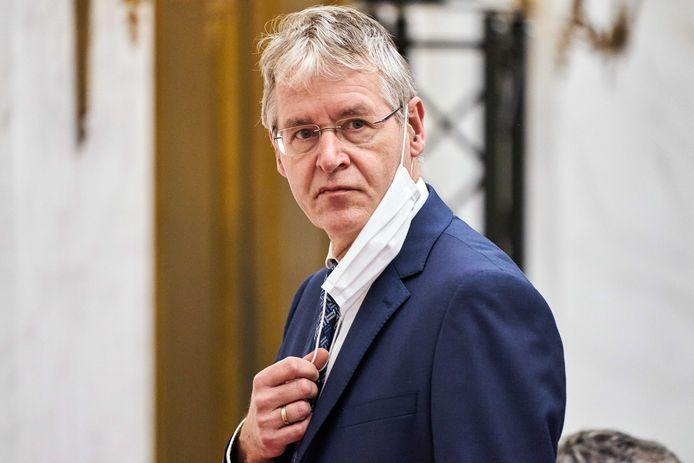 Minister Arie Slob (Basis- en Voorgezet Onderwijs en Media) tijdens het debat met de Tweede Kamer over een aangescherpte wet voor burgerschapsonderwijs.