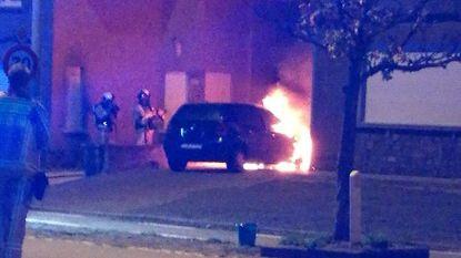 Brandweer kan nipt vermijden dat nachtelijke autobrand ook woning in de fik zet