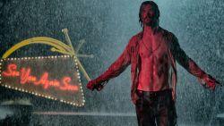 """VIDEO. Op de set van 'Bad Times At The El Royale': """"De eerste keer dat ik er kwam, viel mijn mond open"""""""