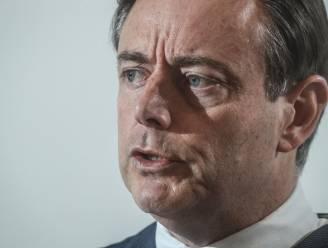 """De Wever in nieuwjaarstoespraak over zaak-Kucam: """"Opgelicht door een van onze eigen mensen"""""""