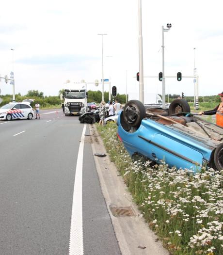 Bestuurder (18) vlucht na ongeval op Burgemeester Letschertweg ter hoogte van Gilze