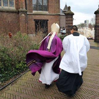 parochies-limburg-betalen-duizenden-euro%E2%80%99s-aan-nep-medewerker-belastingdienst