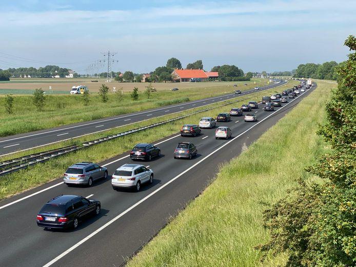 File op de snelweg A58.