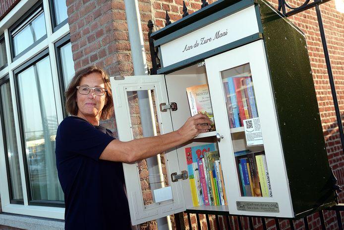 Mieke Kramer uit Bergen op Zoom: ,,Hoe leuk is het als een boek door meerdere handen kan gaan?''