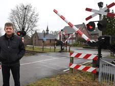 Bewoners maken bezwaar tegen sluiten spoorwegovergang Holthees