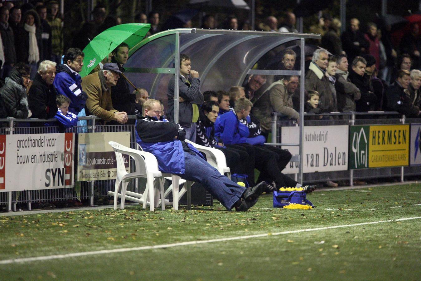 Treuren op De Blauwenburcht als de Rooien weer eens wonnen van de Blauwen (0-2).