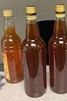Amerikaan zat 82 dagen onterecht vast: douane zag zijn meegebrachte honing aan voor meth