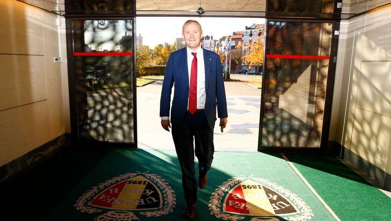 Koen De Brabander doet zijn intrede in het 'Glazen Huis'.