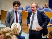 SGP en PVV blij met succesje: Nederlandse vlag in Tweede Kamer