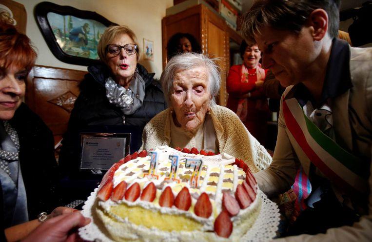 Morano vierde op 29 november 2016 haar 117de verjaardag in bijzijn van vrienden en familie in haar appartement in Verbania. Beeld reuters