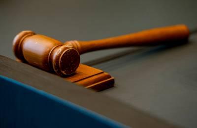 Acht misbruikers van 13-jarig meisje voor rechter waaronder haar oom