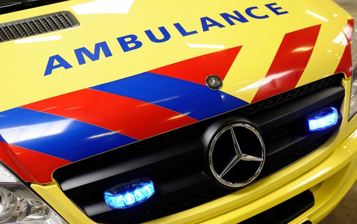 Ambulances doen er te lang over om spoedgevallen vanuit Lelystad en Urk naar ziekenhuizen buiten Flevoland te brengen.