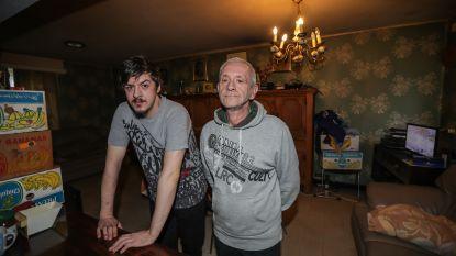"""""""Dat is dan 2.438 euro"""": vader Johan en zoon Kevin werden uit sociale woning gezet, maar krijgen nu ook de rekening gepresenteerd"""