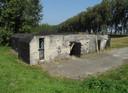 Een van andere bunkers in Dordrecht, op de Beerpolderweg.