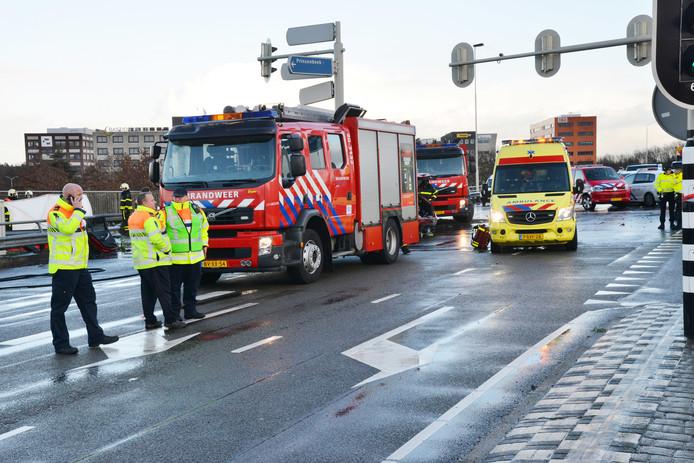 Ongeval op viaduct boven A16 bij Breda